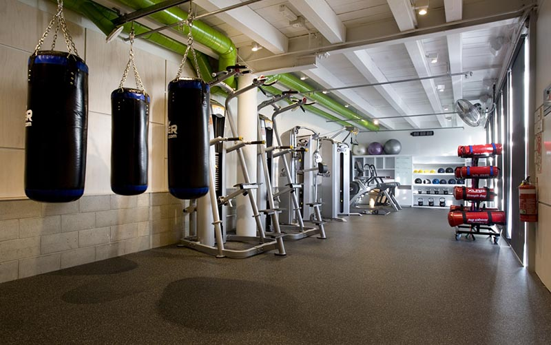 Are you looking for a rubber flooring for weight rooms - Suelo imitacion parquet ...